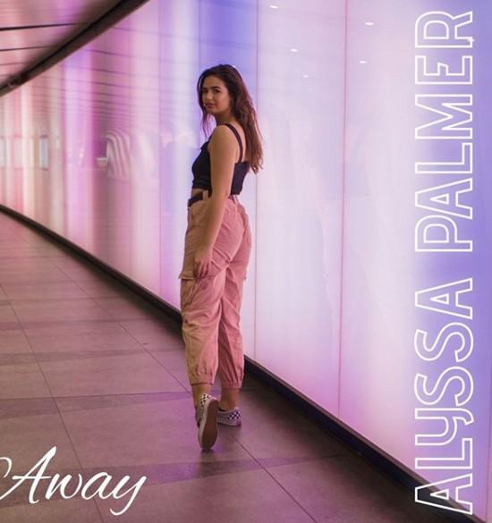 Alyssa Palmer – Away