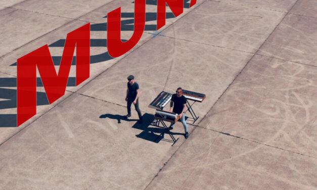 Munatix – You Just Keep Hanging On
