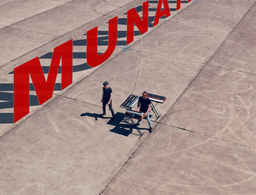 Munatix – You Just Keep Hanging On